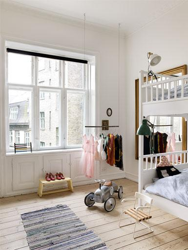 AN APARTMENT AS A SHOWROOM 13