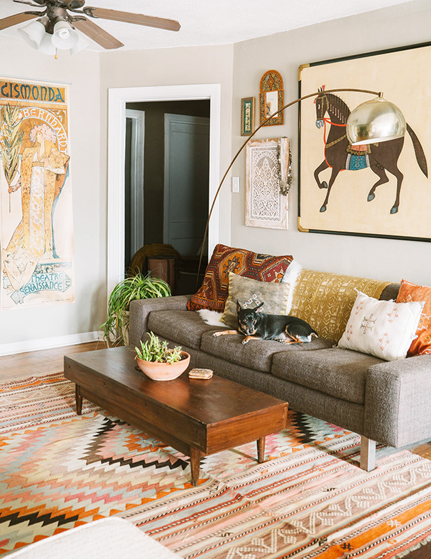 Tips to have a fall living room decor 03