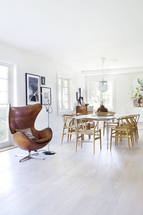 The Egg chair as the protagonist of these interiors 01