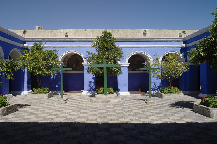 Convent of Santa Catalina and its color palette 02