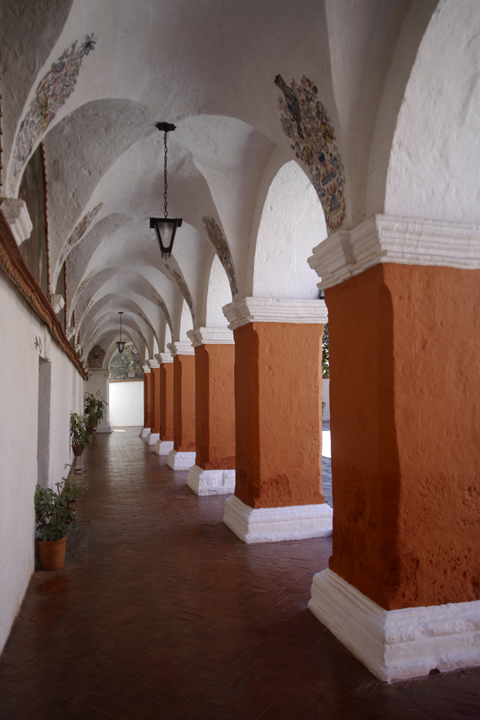 Convent of Santa Catalina and its color palette 09