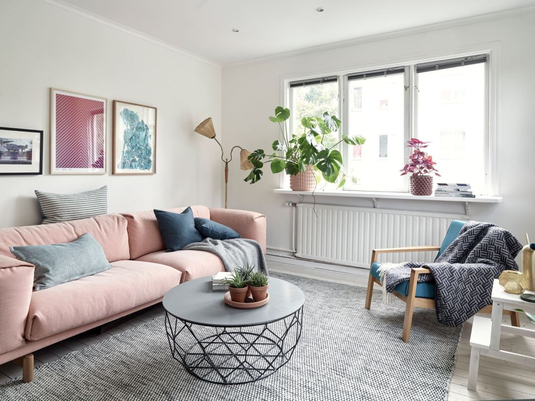 Metal, pink and blue palette in a Scandinavian decoration 03