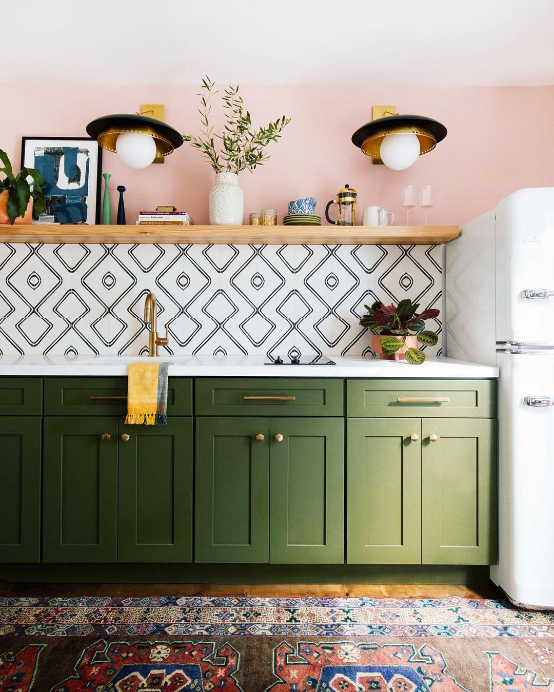 How to illuminate your kitchen countertop if you do not have upper cabinets or shelves 06