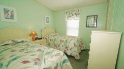 942 guest room