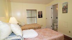 877 guest room
