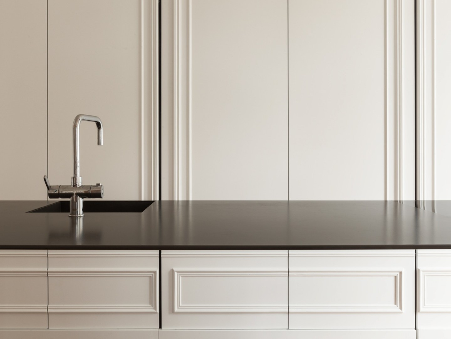 5 - Invisible kitchen - design by 129