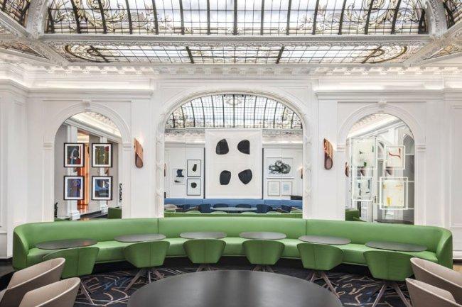 Greenery | PANTONE Color of the Year 2017 | Selected by La Chaise Bleue (lachaisebleue.com) |HOTEL VERNET (PARIS) by Francois Champsaur