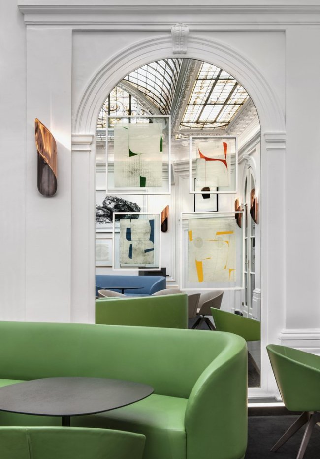 Greenery | PANTONE Color of the Year 2017 | Selected by La Chaise Bleue (lachaisebleue.com) |HOTEL VERNET (PARIS) by Francois Champsaur