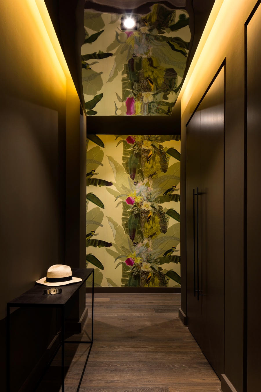 Inspiration | Jungle & colour by Daniel Hopwood | Selected by La Chaise Bleue (lachaisebleue.com)