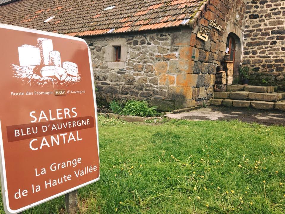 Visite de la Grande de la Haute Vallée, ferme fromagère du Cantal