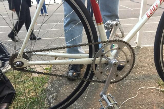 Braquet de 52x14 et pédalier Campagnolo Record Pista sur le vélo du «non» record…