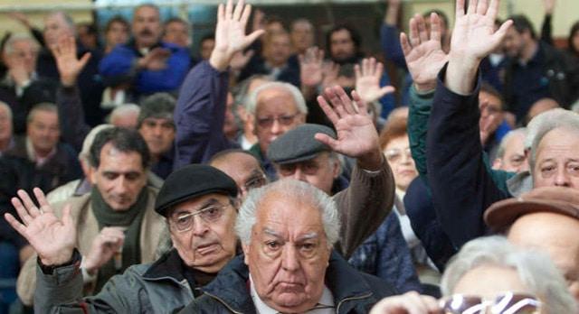 """Jubilaciones: Macri se """"comprometió a revisar"""" la polémica resolución"""