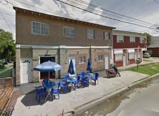 Dos motochorros le disparan en la cabeza a una niña de 13 años en Villa Udaondo para robarle el celular 2