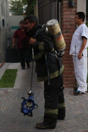 Incendio en uno de los edificios nuevos sobre la calle Olazabal 5
