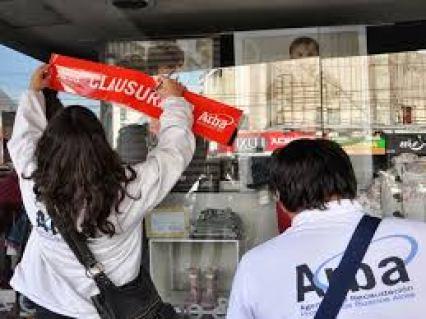 Indiganción y bronca en Ituzaingó: en un operativo sin precedentes ARBA está clausurando pequeños negocios en el barrio San Alberto 2