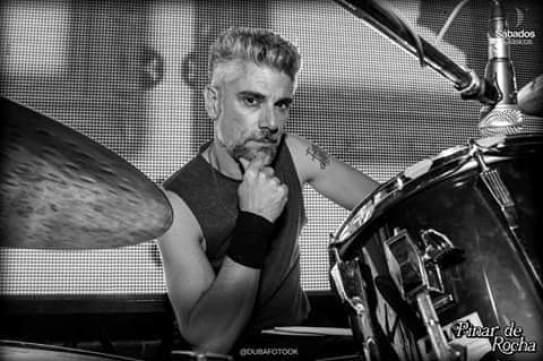 Músicos ituzainguenses: Entrevista al baterista Claudio Do Carmo 2