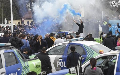 Los policías en Olivos rechazaron 2 veces la invitación del Presidente para conversar