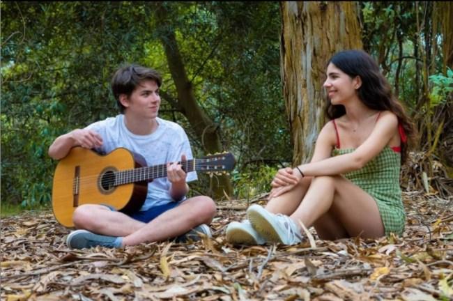 Borneo, el joven dúo Folk argentino que logra colarse entre los 50 más virales de España 2