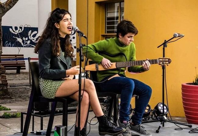 Borneo, el joven dúo Folk argentino que logra colarse entre los 50 más virales de España 3