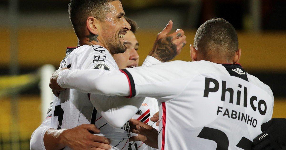 Paranaense con seis casos positivos para el encuentro de Libertadores