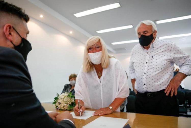 Se realizó el primer casamiento con distanciamiento en la Provincia