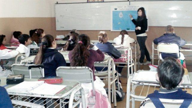 El regreso de las clases presenciales: el 1 de marzo comienza en Provincia con los docentes vacunados