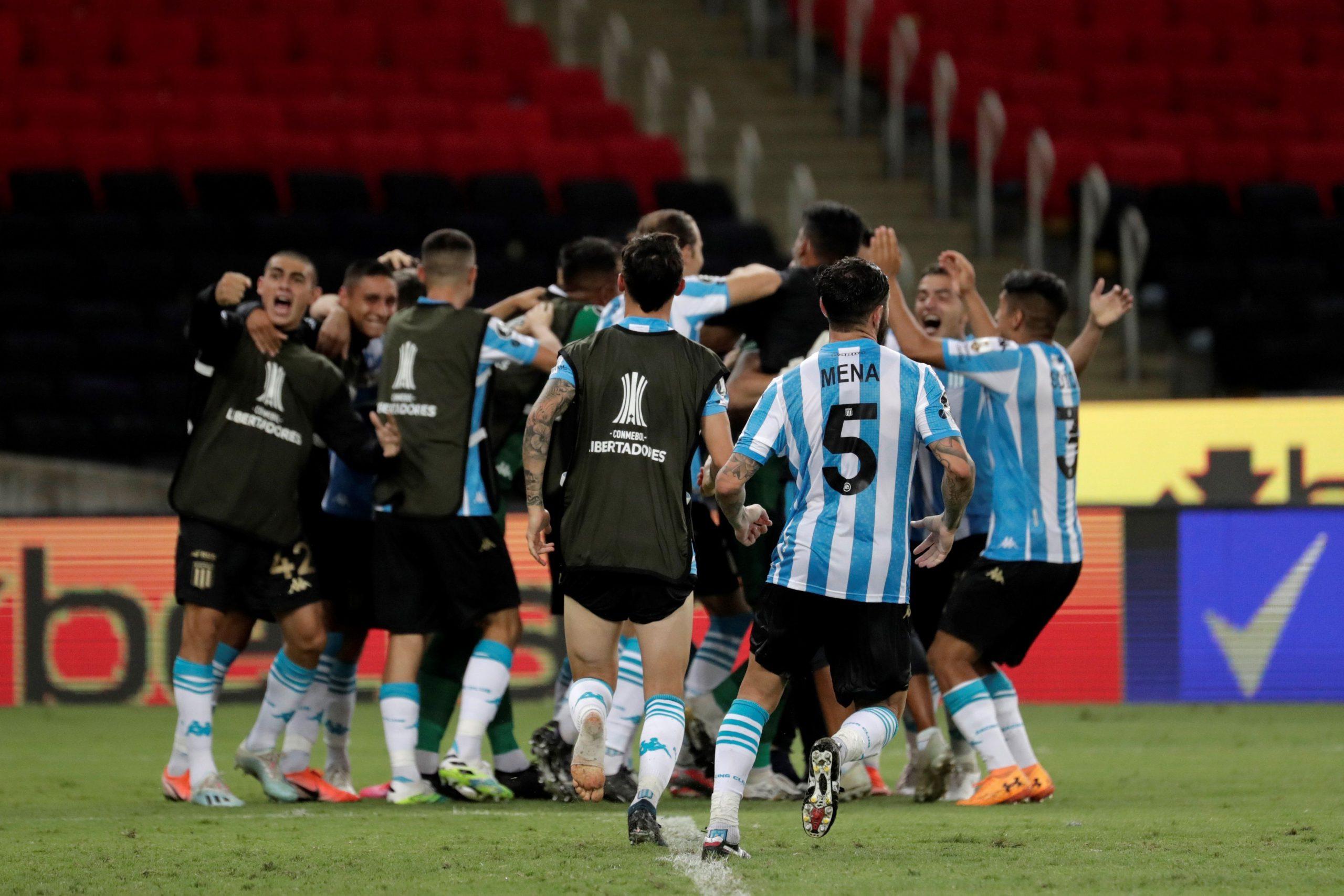 Copa Libertadores: Racing y Boca, por un lugar en semifinales