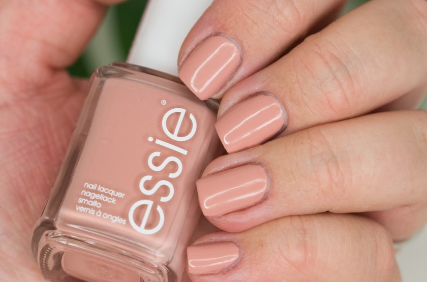 , nude, nagellack, nail polish, comparison, Essie, Bare With Me, Wild Nudes, LE, Limited Edition, Vergleich, Swatch, Swatches, Dupe, Dupes, Spin The Bottle, High Class Affair, Not Just a pretty face, eternal optimist, mamba,