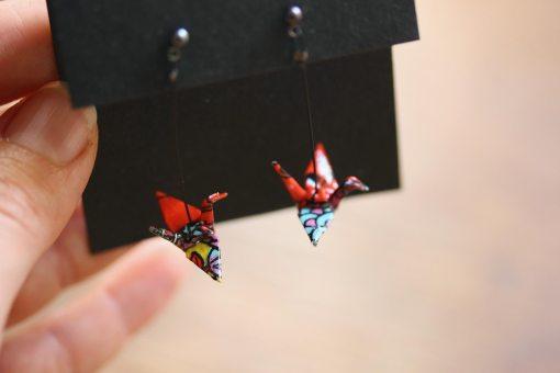 boucles d'oreilles origami orange et détails multicolores