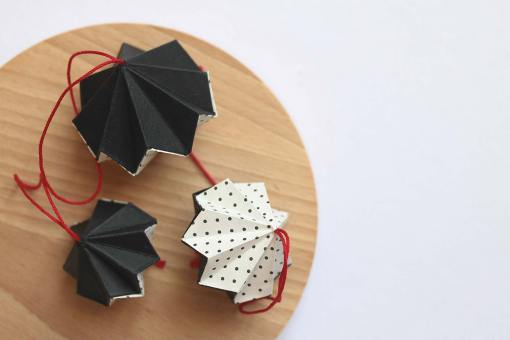 Décoration de noël, diamant origami noir à pois