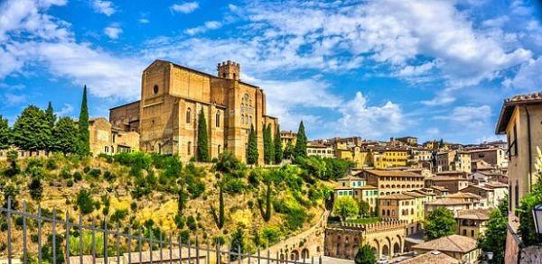 siena taliansko lacne dovolenky