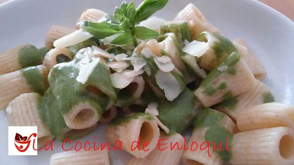 27.04.26 pasta integral con salsa pesto de espinacas (3)