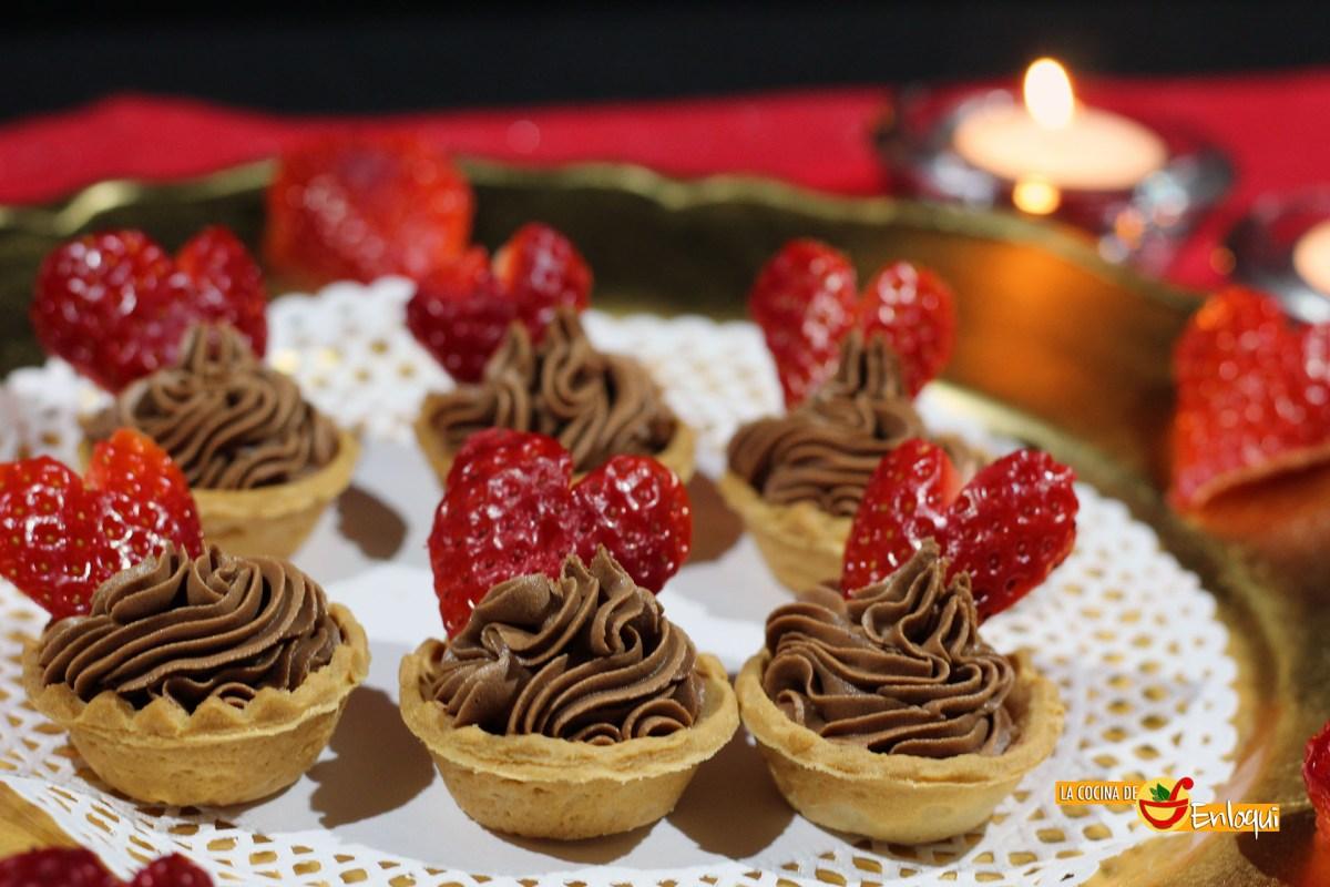 Tartaletas de ganaché de chocolate y fresas