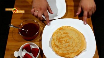 07.05.17 Crepes con sirope de fresa (pap1)