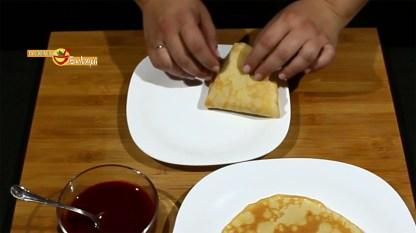 07.05.17 Crepes con sirope de fresa (pap2)
