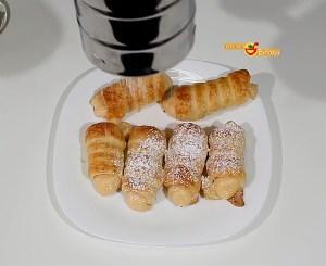 Canutillos de hojaldre con crema pastelera