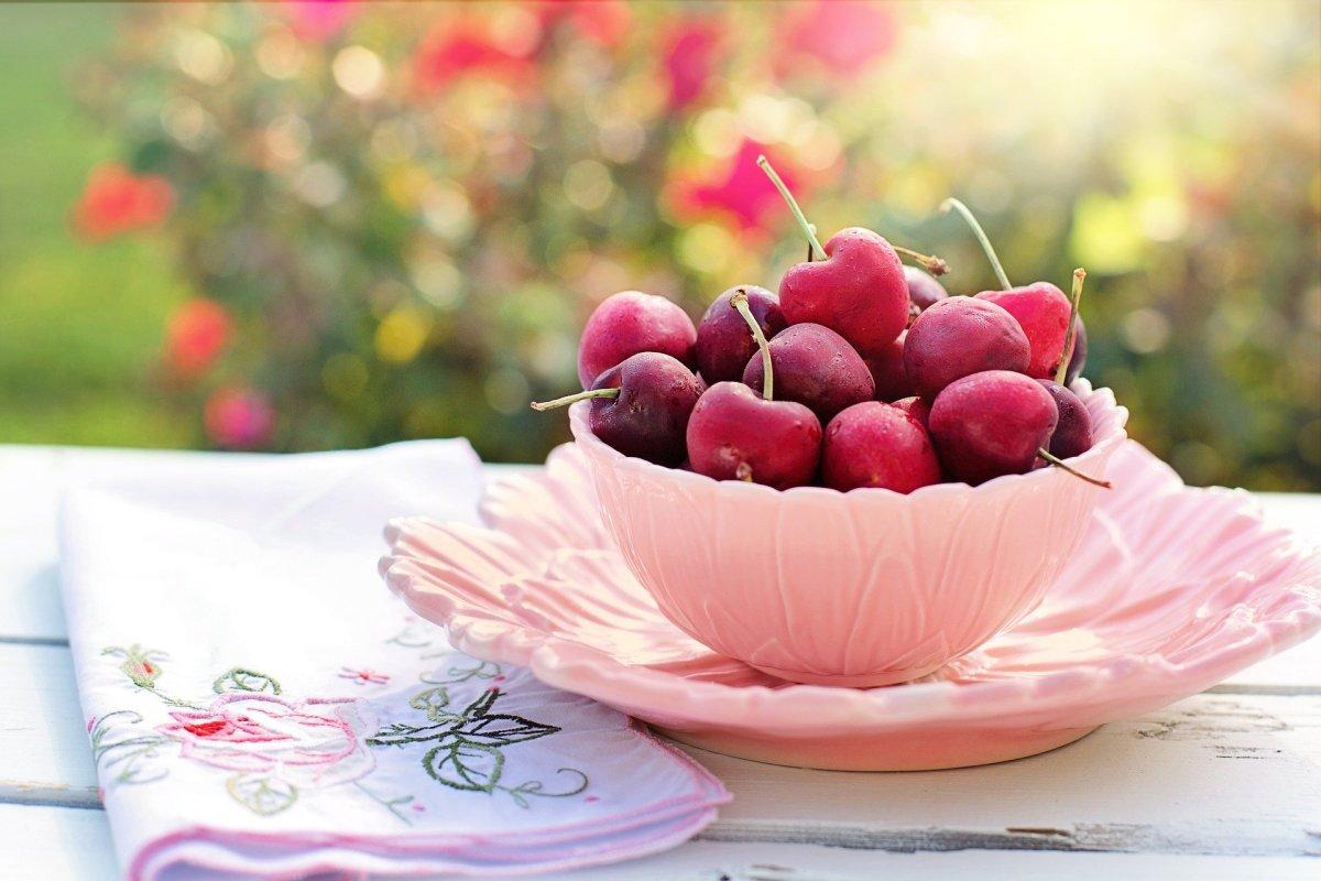2 métodos muy fáciles para deshuesar cerezas