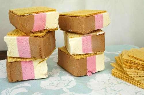 helado al sandwich tres sabores