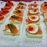 Canapés con salmón. Cuatro combinaciones