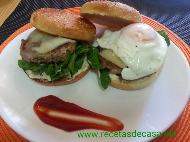 hamburguesas caseras con queso y huevo