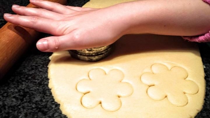 pastissets de menorca. talleres de cocina para niños