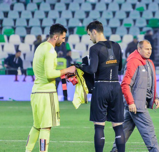 Sergio Rico vs. Adán, duelo por la Eurocopa