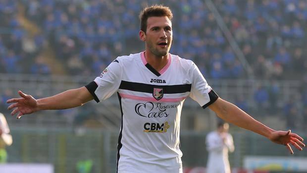 Vázquez deja la concentración del Palermo y pasará reconocimiento médico en las próximas horas