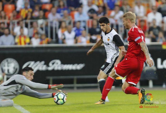 El Sevilla cae vapuleado en Valencia y se encienden las alarmas en Nervión