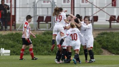 El Sevilla remonta al Athletic con todo en contra