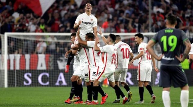 Ben Yedder y sus compañeros, celebrando uno de los tantos conseguidos por el Sevilla ante la Real Sociedad | Imagen: Sevilla FC