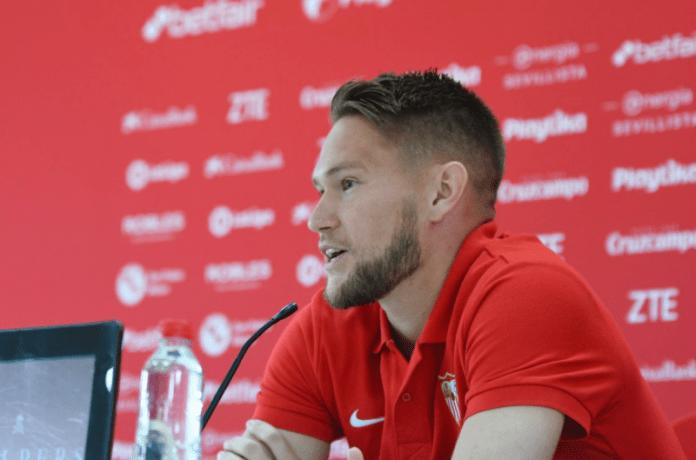 Tomas Vaclík: «El objetivo es clasificarnos para la Champions e intentar ganar la Europa League»