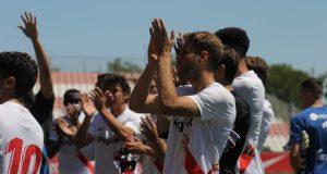 El Sevilla Atlético celebra su victoria ante el Real Murcia en el último partido de la campaña liguera || Imagen: Carmen Pera (Colina De Nervión)
