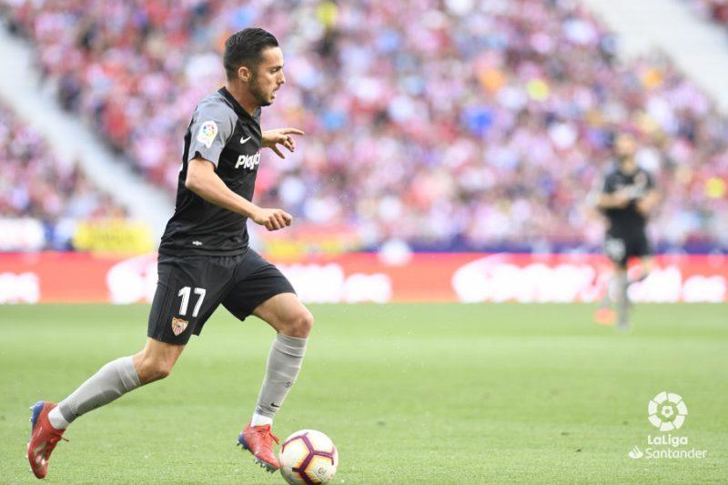 Pablo Sarabia conduce el balón frente al Atlético de Madrid || Imagen: LaLiga