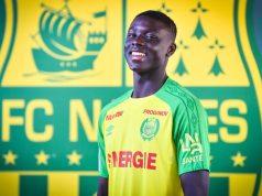 Abdoulaye Dabo, posando con la camiseta del Nantes| Fuente: FC Nantes